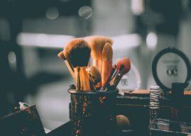 5 Natural Ways To Remove Stubborn Makeup Totally, Post Halloween (Bonus Tips)